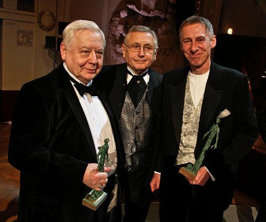 János Bán s Jiřím Menzelem a Olegem Tabakovem (zprava).
