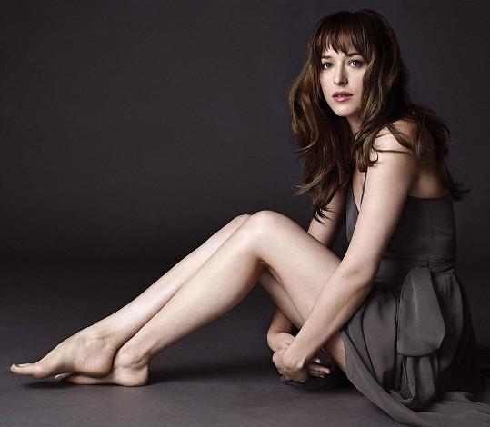 Dakota Johnson si ve filmu Padesát odstínů šedi užila spoustu erotickách scén.