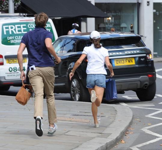 Pippa Middleton a Nico Jackson špatně zaparkovali.