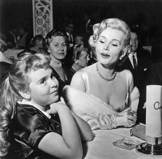 Zsa Zsa Gabor s dcerou na snímku z roku 1955