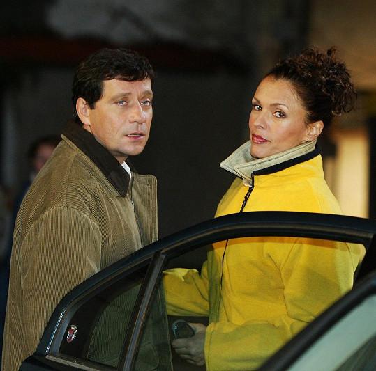 Eva Jeníčková s Pavlem Křížem ve filmu Jak básníci neztrácejí naději.