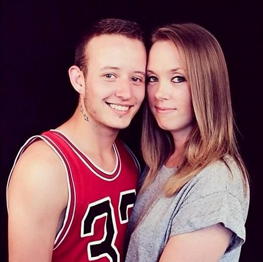 Newington se svou dívkou Ceryn Phillips