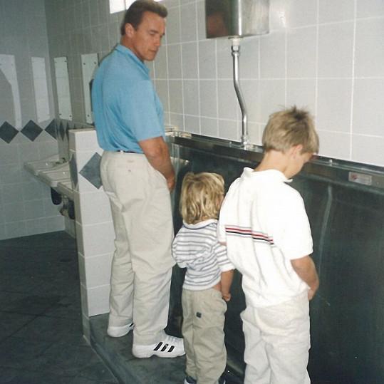 Arnold zveřejnil zajímavou rodinnou fotku.
