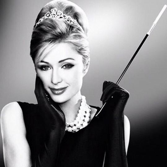 Paris Hilton se stylizovala do legendární herečky Audrey Hepburn.