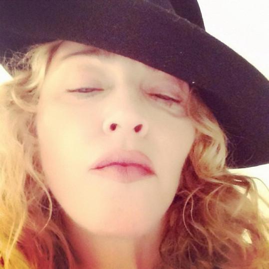 Madonna se klidně ukazuje světu nenalíčená.