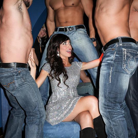 Reality a pornohvězdička si umí večírky užít.