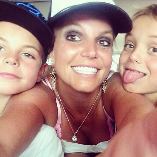 Britney si se Seanem Prestonem a Jaydenem udělala selfie.
