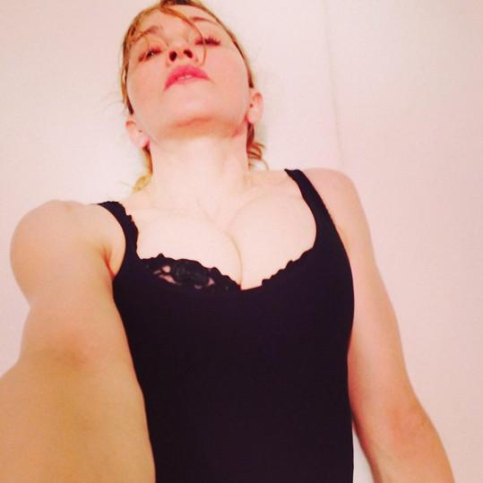 Madonniny selfies občas nepoberete...