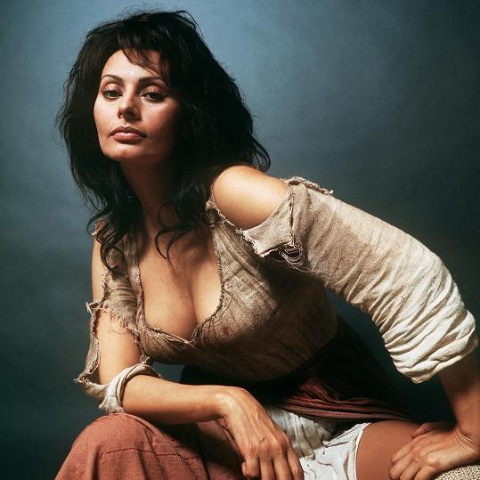 Sophia Loren dokázala zaujmout i v éře barevného filmu.