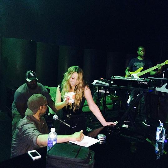 Mariah Carey pokazila víkendové vystoupení a sklidila za to kritiku.
