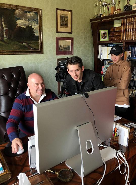 Těší je spolupráce s Michalem Davidem.