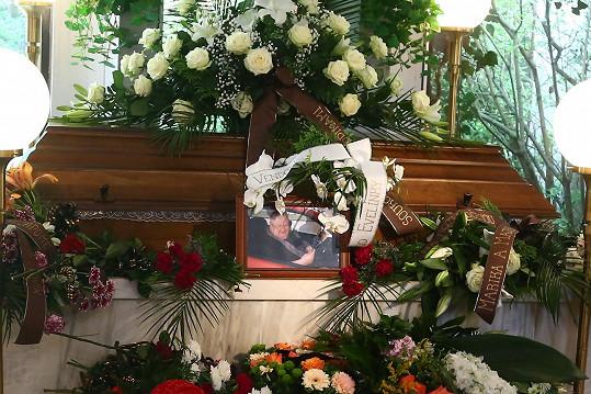 Pohřeb Václava Glazara probíhal v jeho rodném Dvoře Králové nad Labem.