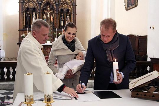 Jana Doleželová nechala o víkendu v Uničově pokřtít dceru Veroniku.