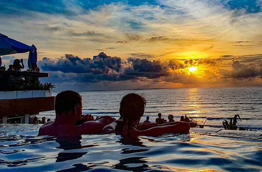 Na Bali přivítala nový rok.