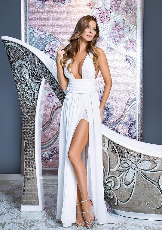 Andrea se fotila v modelech, které sama navrhuje.