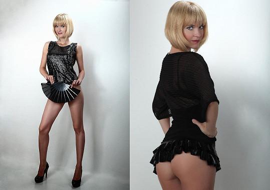 Fotka vpravo není nahá, Markéta jen rafinovaně skryla tanga.
