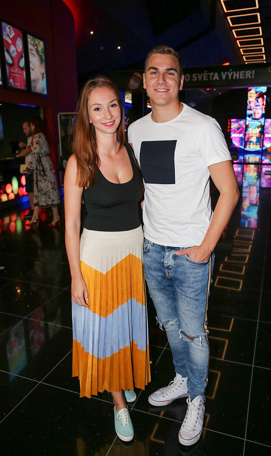 Na premiéru dorazili i čerstvě ženatý David Gránský s manželkou Nikolou.