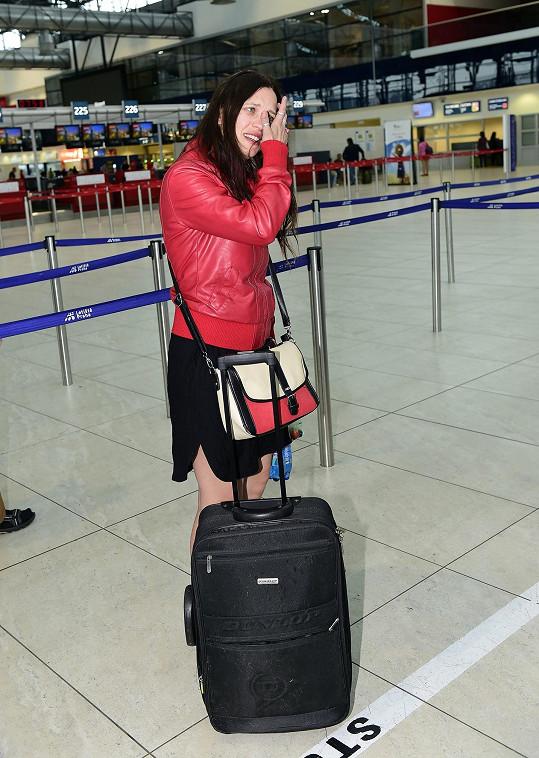 Kristýna Leichtová na letišti