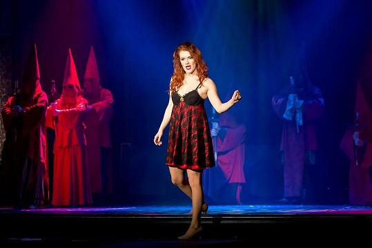V Divadle Broadway hraje v muzikálu Angelika.
