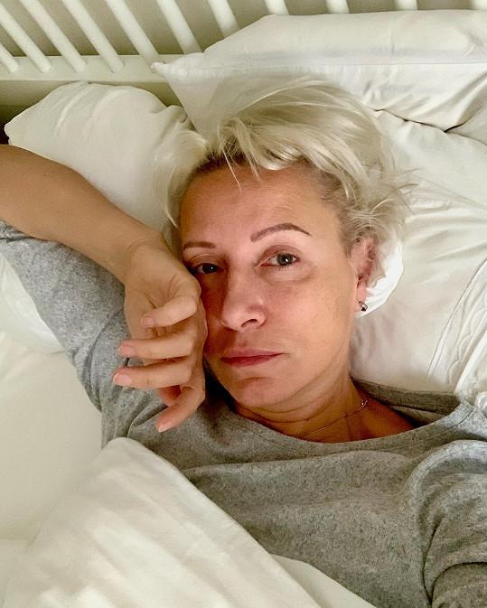 Renata zveřejnila fotografii z postele.