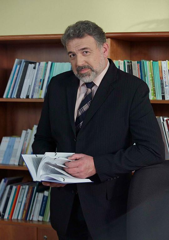 Pavel Novotný je stálicí nováckého seriálu.
