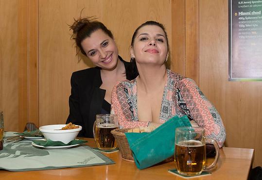 Andrea Kalivodová (vpravo) vypadá půl roku po porodu úžasně.