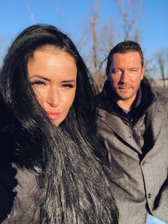 Michal Janotka oslavil první výročí s Nikolou. Dohromady se dali v červenci, veřejně o vztahu promluvili loni v listopadu.