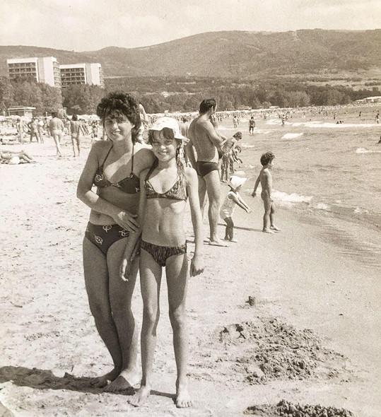 Dovolenkové cíle se změnily, záliba v lenošení na pláži u Simony Krainové zůstala...