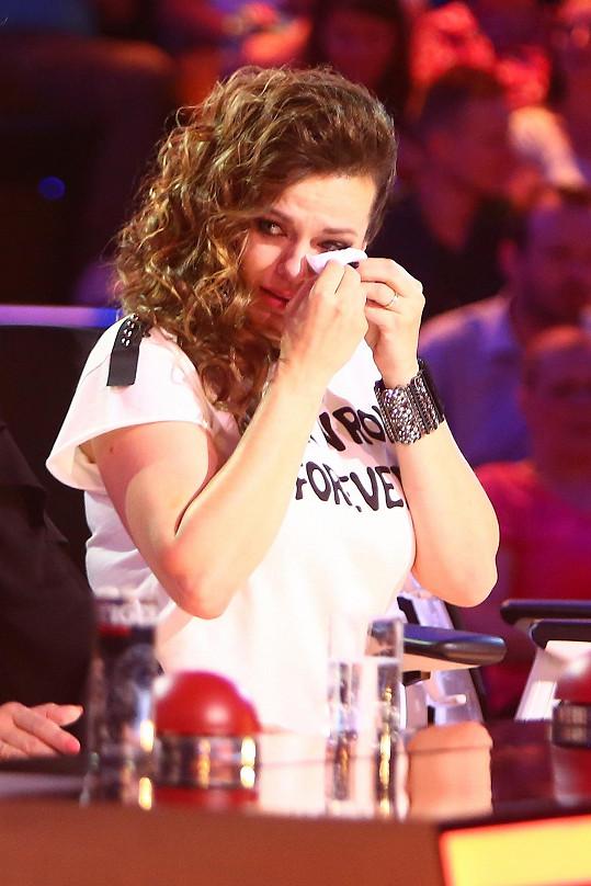 Marta Jandová se dojetím rozplakala.