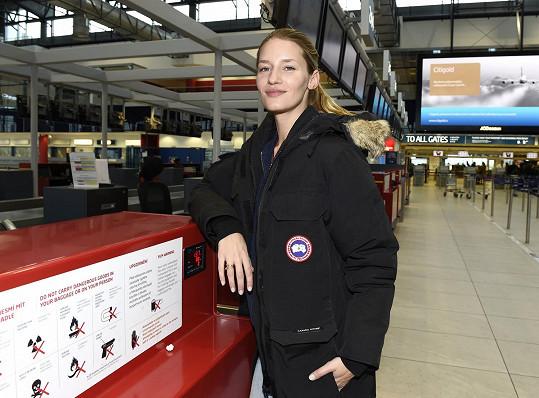Modelka si zašla s rodinou na oběd a krátce poté odletěla do Švýcarska.