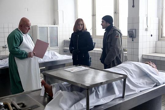 Tahle mrtvola sice nebyla pravá, ale v průběhu natáčení viděli i opravdovou...