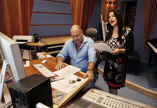 Magda s Michalem natočili nový duet Na křídlech vánočních.