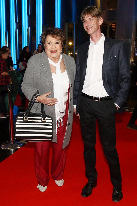 Jiřina Bohdalová s režisérem Jiřím Strachem