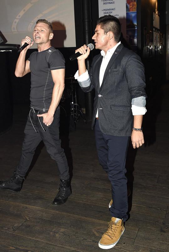 Raego s Jarkem předvedli populární song Vodopád.