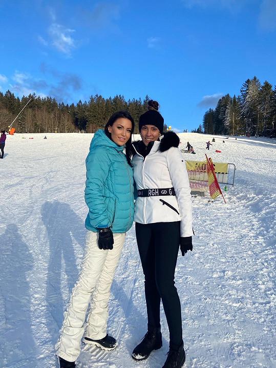 Nový rok přivítala ve společnosti kamarádky Zuzany Lešák Černé.