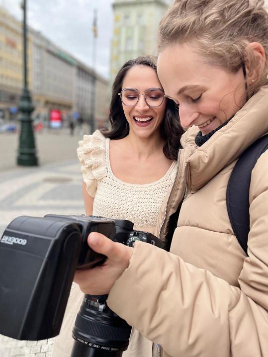 S fotografkou Annou Konyaevou, s níž sérii snímků nafotila.