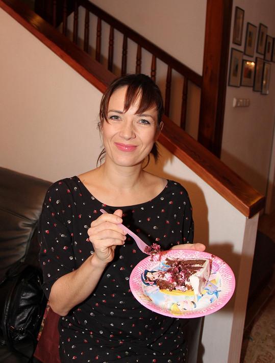 A dala si i narozeninový dortík.