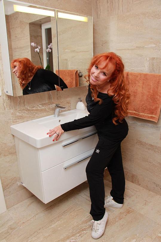 Marcela Holanová ve své nové koupelně