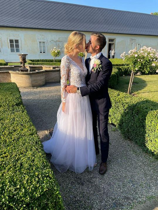 Vzala si bývalého cyklistu, podnikatele Tomáše Koudelu