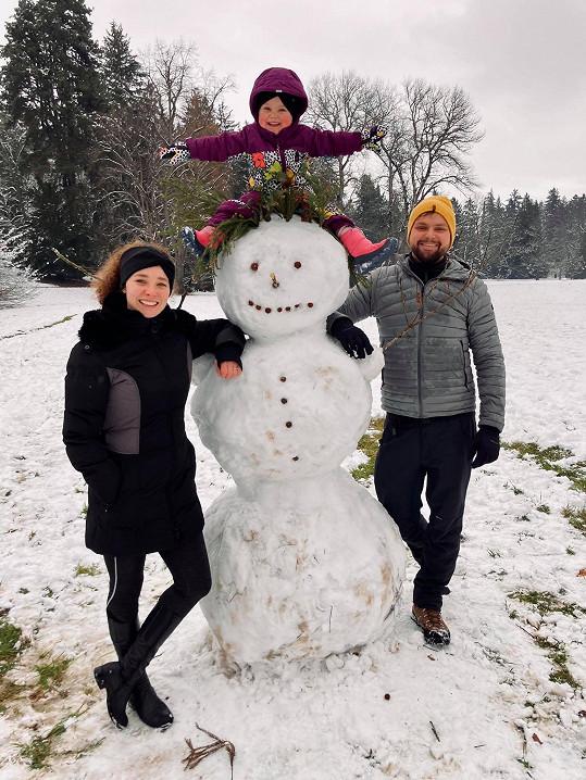 Josef Vágner si užívá zimu s dcerkou a manželkou Marlene.