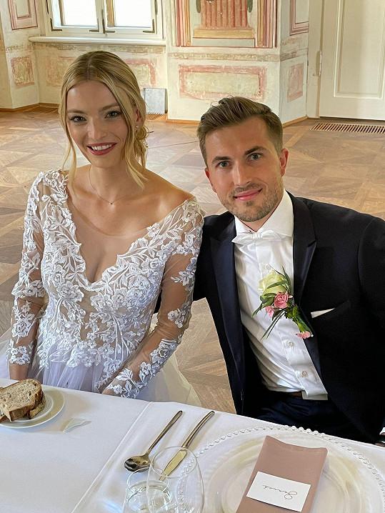 Svatba se uskutečnila na zámku.