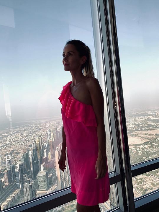 Do Emirátů vyrazila už potřetí.