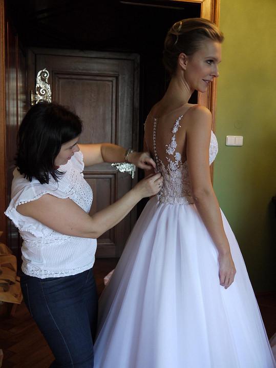 Přípravu na svatbu má už částečně natrénovanou.