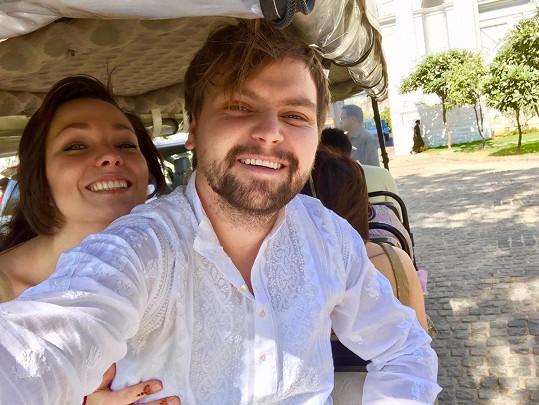 Pepa s Marlene, kterou si vezme za ženu v Řecku.