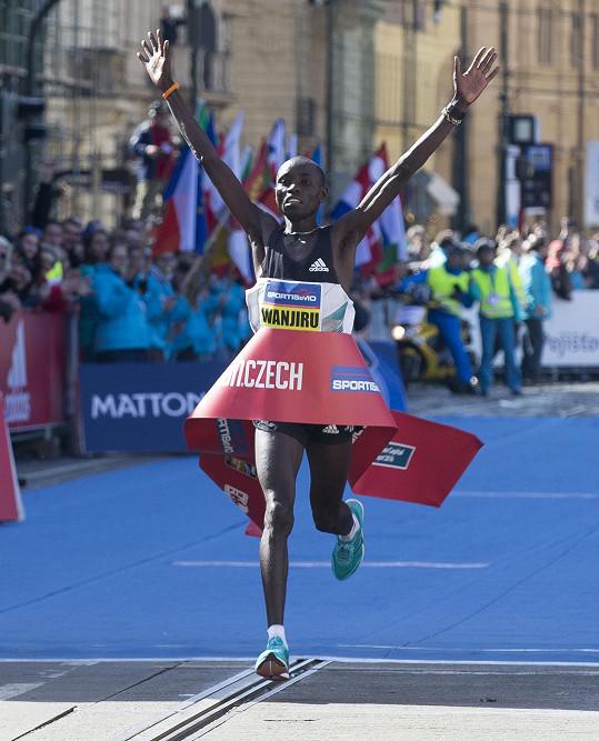 Zvítězil Keňan Daniel Wanjiru.