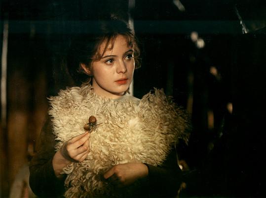 Libuška Šafránková jako legendární Popelka v pohádce tři oříšky pro Popelku (1973)