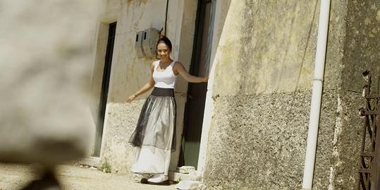 O svém vztahu se Eliška rozpovídala na natáčení jejího prvního klipu k písni El Latino, který vznikal v romantickém prostředí na řeckém ostrově Korfu.