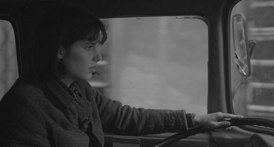 Kvůli filmu se musela naučit řídit náklaďák.