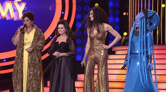 Ve finále bude s Bárou Basikovou, Jitkou Čvančarovou a Albertem Černým.