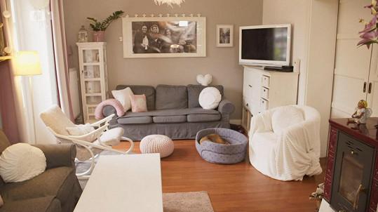V romantickém obývacím pokoji se musí skvěle relaxovat.
